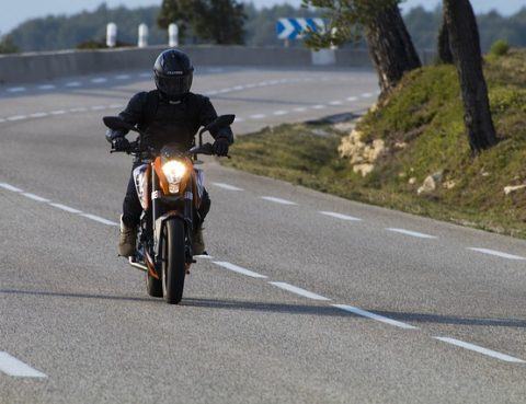 Port des gants moto